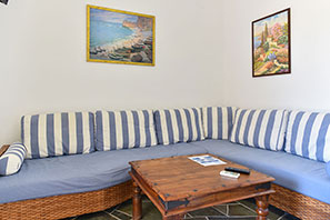 The lounge at the apartment of Giannakas studios at Sifnos