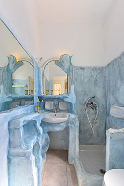 Bathroom at studios Giannakas in Sifnos