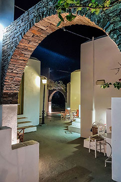 Night photo at Giannakas studios in Sifnos