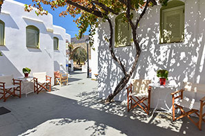 Giannakas studios at Platis Gialos of Sifnos